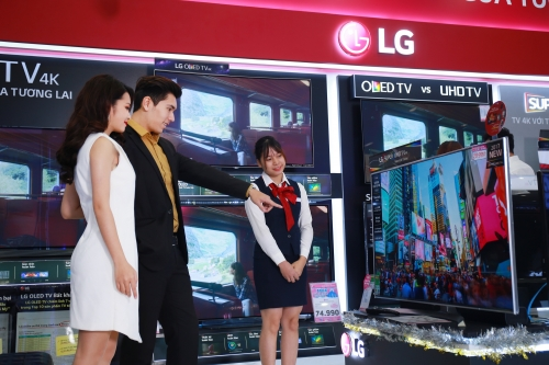 LG đưa ra thị trường gần 30 mẫu TV 4K trong dịp Tết
