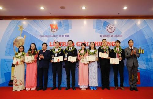 Tân Hiệp Phát phát đồng hành cùng giải thưởng KHCN Thanh niên Quả Cầu Vàng năm 2017