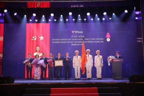 TPBank kỷ niệm 10 năm thành lập, đón nhận Huân chương Lao động hạng Ba