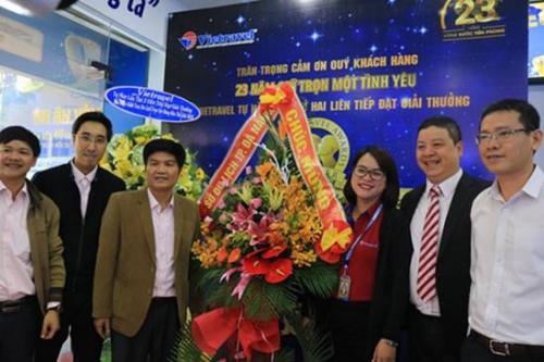 Vietravel Đà Nẵng tổ chức đón và trưng bày cúp WTA