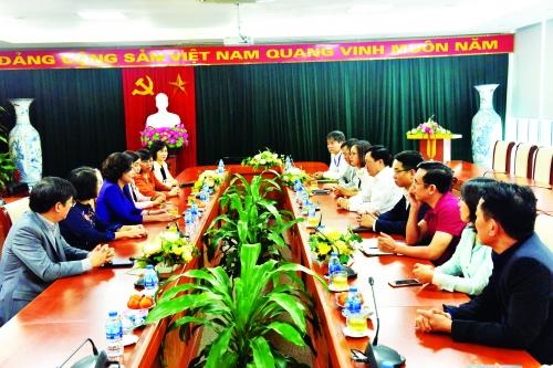 Lãnh đạo NHNN động viên quyết toán tại NHCSXH, Vietcombank