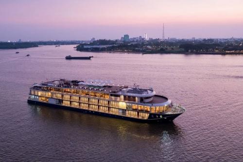 Từ miền Tây đi Campuchia bằng du thuyền 4 sao