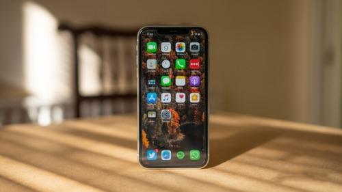 Học Samsung, Apple định một năm ra iPhone 2 lần