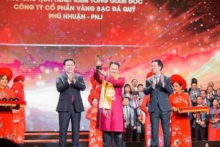 CEO PNJ được vinh danh tại Giải thưởng Sao Đỏ năm 2019
