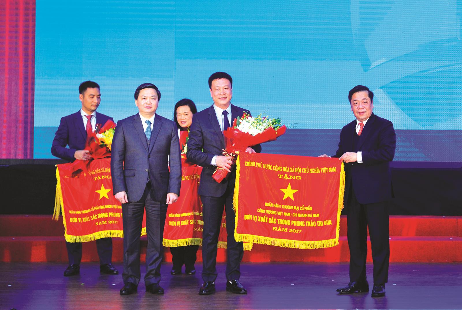 """""""Bí quyết"""" của VietinBank Hà Nam"""
