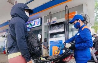 Giá xăng, dầu đồng loạt tăng mạnh kỳ thứ hai liên tiếp