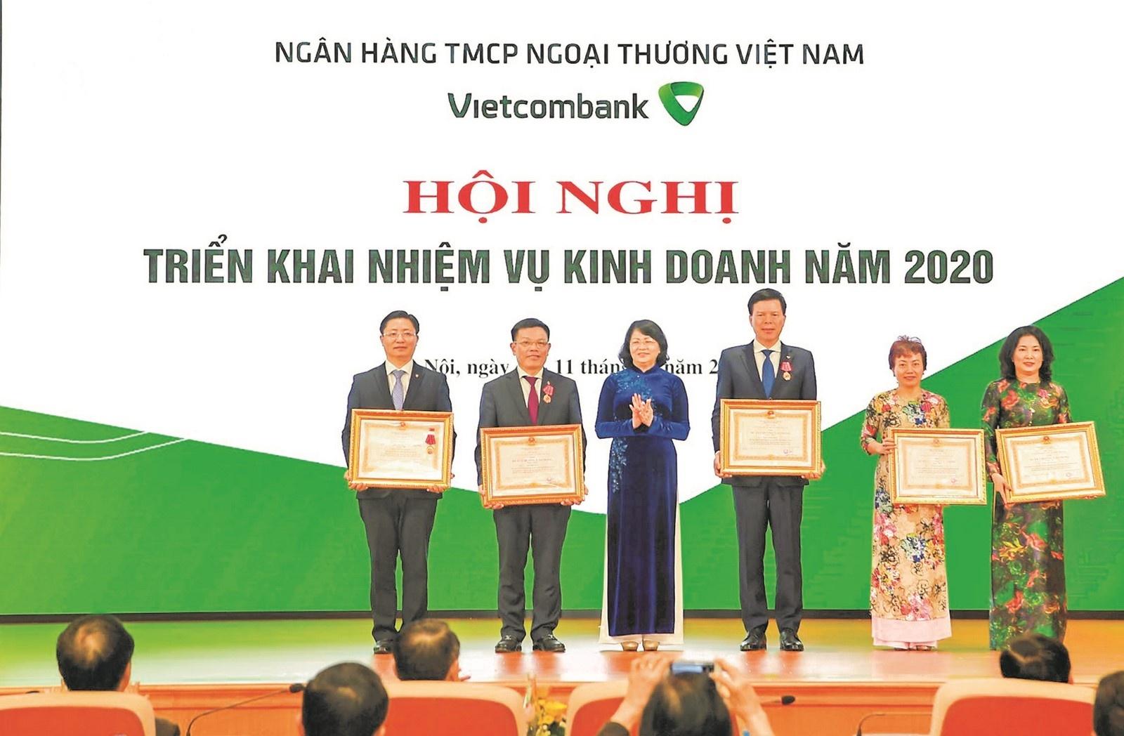 nguoi thu linh khoi win lam theo loi bac