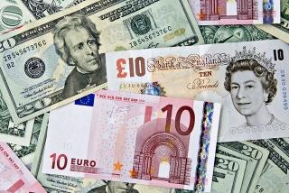 Đồng bảng Anh giảm xuống dưới mức 1,3 USD/GBP khi khả năng BOE hạ lãi suất gia tăng