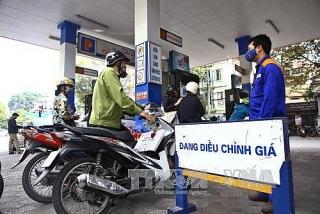 Giá xăng giảm nhẹ trước Tết Nguyên đán