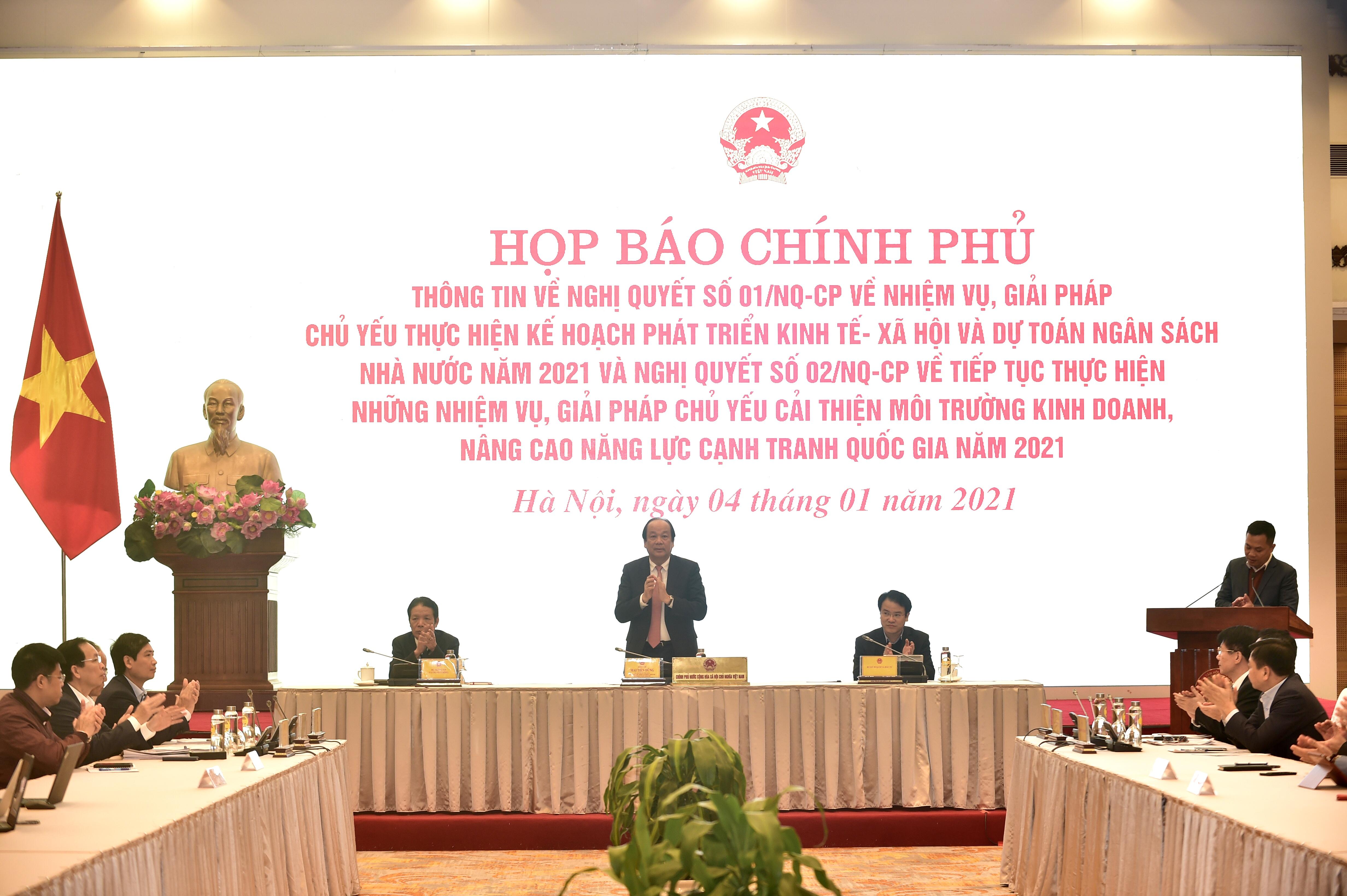 hop bao thong tin ve nghi quyet 01 02 cua chinh phu