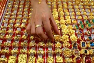 Thị trường vàng 20/2: Tìm kiếm mức cao kỷ lục mới