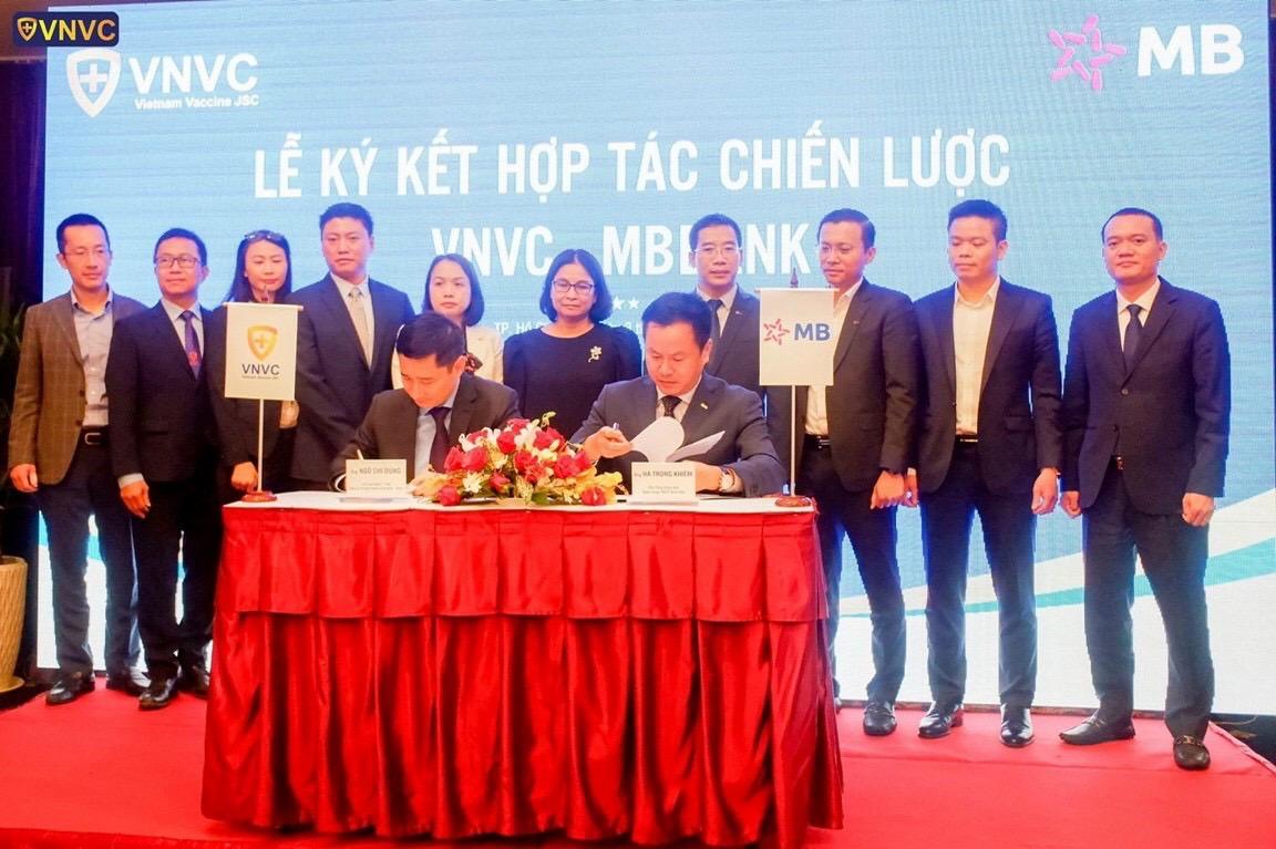 MB ký kết hợp tác chiến lược với Hệ thống trung tâm tiêm chủng VNVC