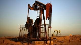 Giá dầu tiếp tục tăng khi băng giá kỷ lục ở Texas hạn chế sản lượng của Mỹ