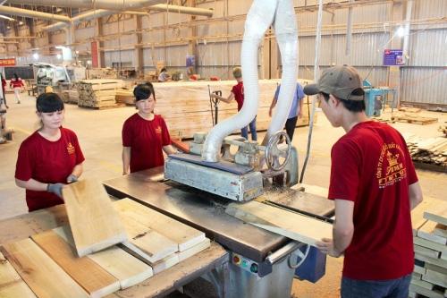 Giải pháp phát triển công nghiệp chế biến gỗ phục vụ xuất khẩu