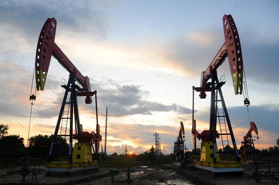 Giá dầu tăng trở lại, đón dữ liệu tồn kho Mỹ công bố cuối ngày