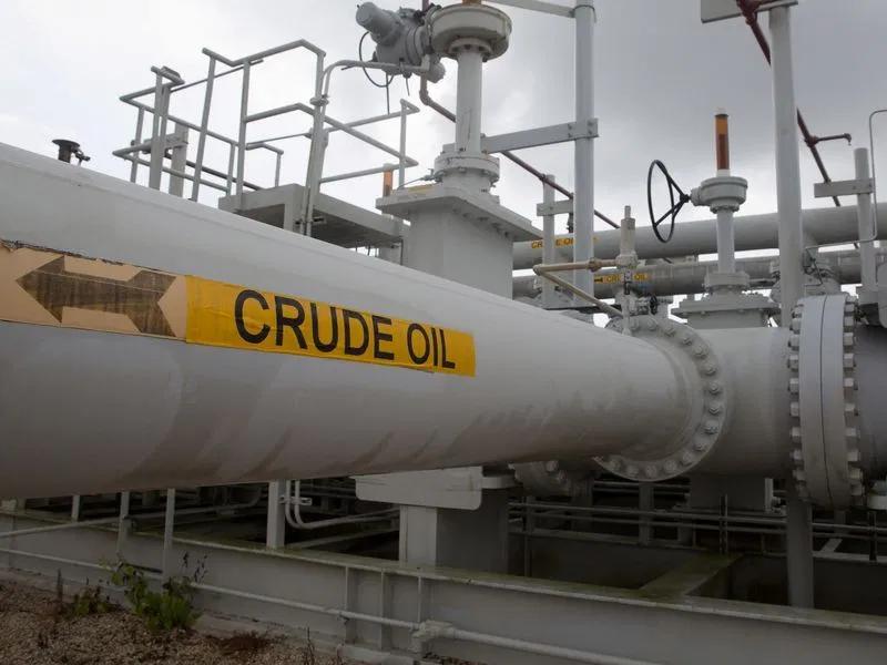 Giá dầu Brent lên gần 70 USD/thùng do triển vọng nhu cầu phục hồi