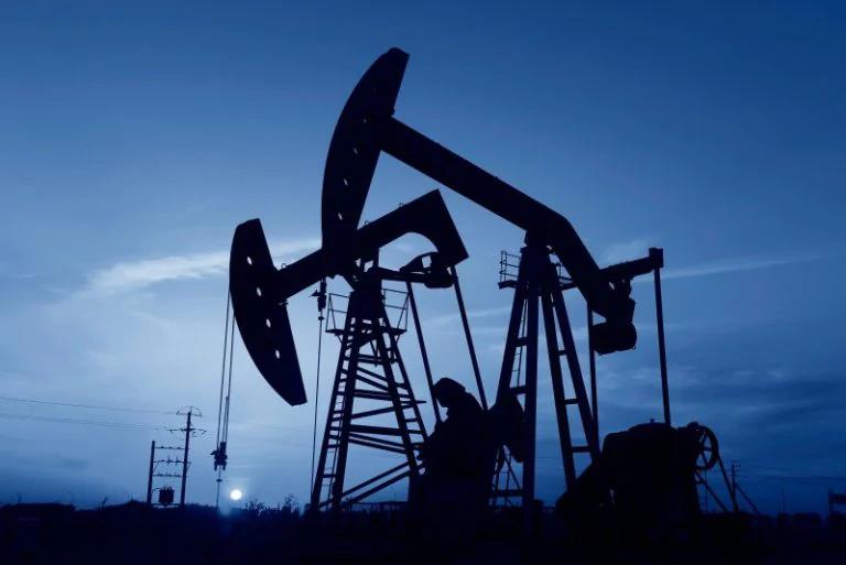 Giá dầu tiếp đà giảm khi châu Âu đối mặt với đợt phong tỏa mới