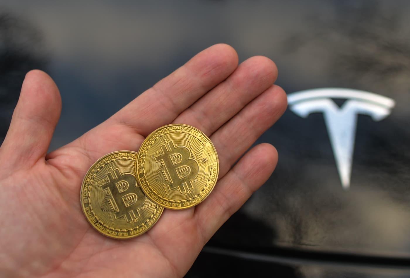mua xe tesla bang bitcoin se phai chiu thue lon