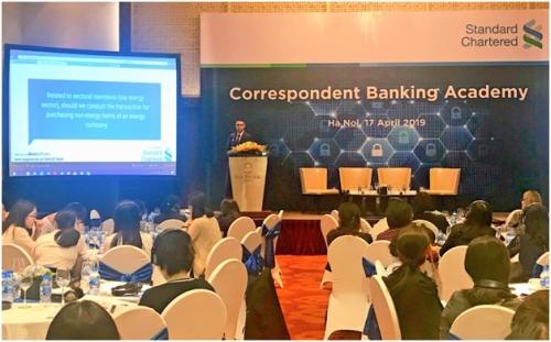 Standard Chartered chia sẻ kiến thức về phòng chống tội phạm tài chính