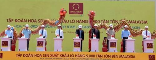 Hoa Sen xuất 5 nghìn tấn tôn sang Malaysia