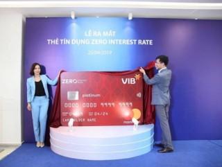 Lần đầu tiên tại Việt Nam: Thẻ tín dụng miễn lãi trọn đời
