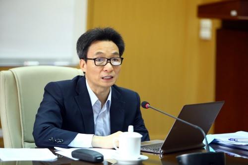 quyet liet cach ly de han che ton that nhung van phai duy tri san xuat kinh doanh