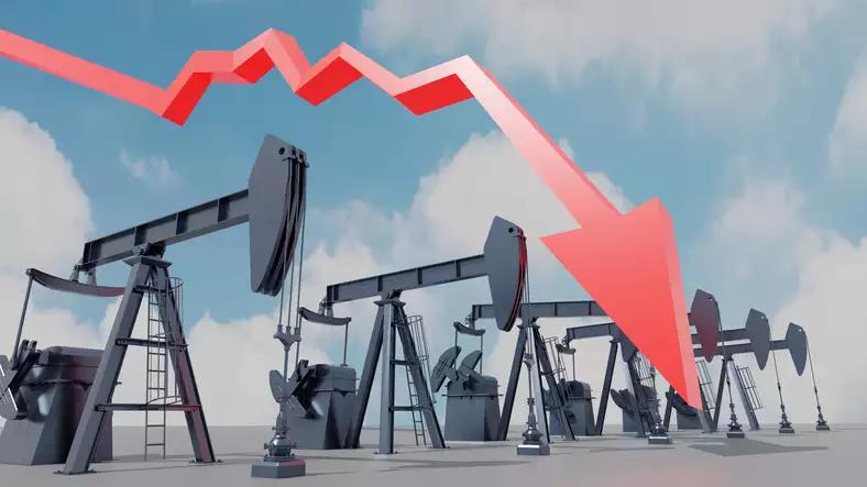 Giá dầu giảm khi tồn kho xăng của Mỹ tăng đột biến