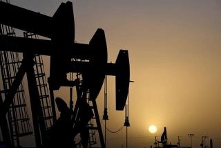 Giá dầu giảm khi số ca COVID-19 gia tăng ở Ấn Độ và các quốc gia khác
