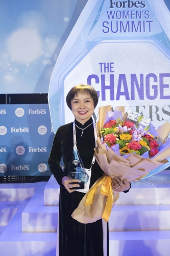 Chủ tịch PNJ lần thứ 2 được vinh danh Top 50 phụ nữ ảnh hưởng nhất Việt Nam