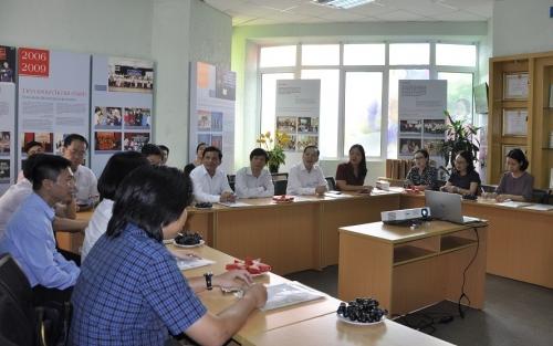 Đoàn công tác NHNN thăm và khảo sát hoạt động TYM
