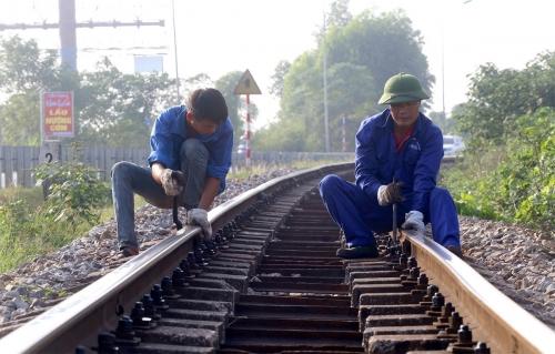 'Mở toang cửa' cho tư nhân cung ứng dịch vụ công