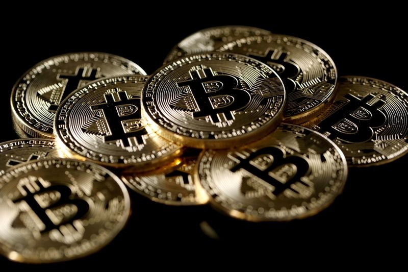 bitcoin giam gan 50 so voi dinh cua nam