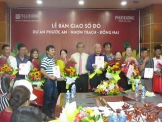 Phúc Khang trao sổ đỏ cho khách hàng dự án Ecosun