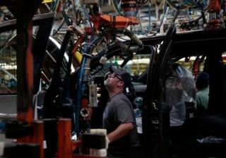 Đơn hàng giảm, gia tăng quan ngại kinh tế Mỹ đi xuống