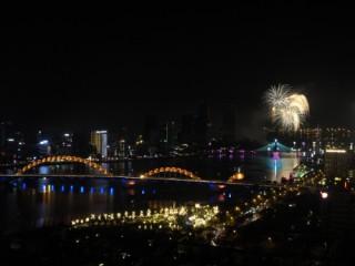 Đêm pháo hoa thứ hai của DIFF 2019 - Năng lượng của mầm sông