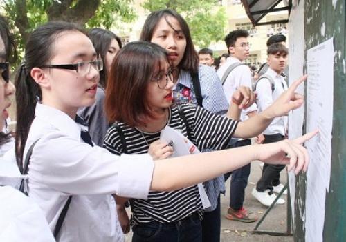 Chiều 24/6, các thí sinh làm thủ tục dự thi THPT quốc gia 2019
