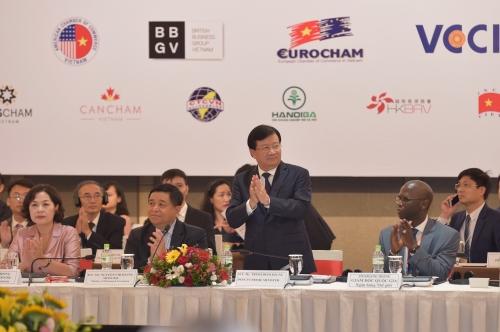 Phó Thủ tướng Trịnh Đình Dũng nêu 7 giải pháp để phát triển nhanh và bền vững