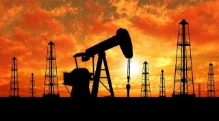 Giá dầu giảm do lo ngại cầu thấp, nguồn cung từ Libya tăng