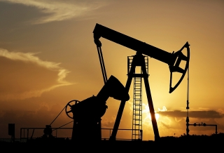 Giá dầu lên mức cao nhất trong nhiều năm do nhu cầu hồi phục