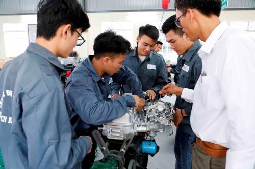 Đại học Đông Á đầu tư hơn 5 tỷ đồng xây dựng xưởng thực hành ô tô