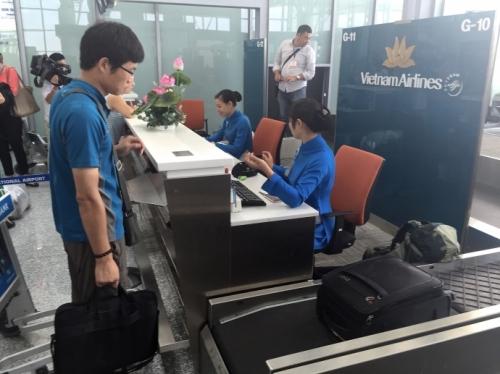 Từ 1/8, bay Vietnam Airlines xách tay từ 12kg