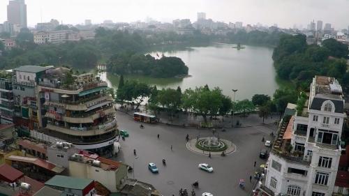 Hà Nội: Giá nhà mặt phố thường đắt hơn từ 1,5-2,5 lần giá nhà riêng