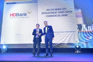 4 ngân hàng vào top những nơi làm việc tốt nhất châu Á