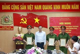 Khen thưởng các đơn vị có thành tích trong điều tra, truy xét, bắt giữ đối tượng cướp tại BIDV Ngọc Khánh