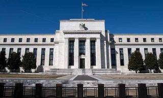 Fed vẫn kiên nhẫn trước áp lực thắt chặt chính sách tiền tệ