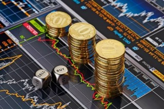 Lo thương chiến, vốn ngoại 'ồ ạ' rút khỏi thị trường mới nổi từ đầu tháng 8