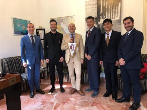 Học viện đào tạo bóng đá AC Milan Hà Nội bắt đầu chiêu sinh học viên
