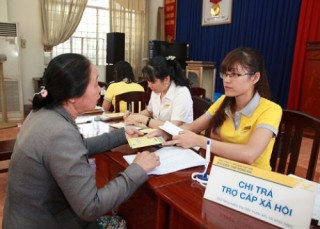 Đà Nẵng đẩy mạnh chi trả dịch vụ an sinh xã hội qua phương tiện thanh toán không dùng tiền mặt