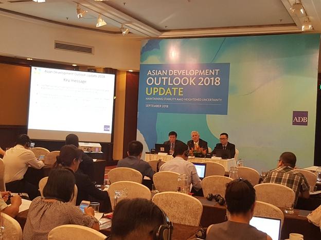 ADB dự báo tăng trưởng kinh tế Việt Nam ở mức 6,9%