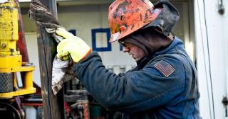Chuyên gia cảnh báo giá dầu có thể vượt 100 USD/thùng